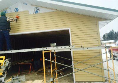 Garage Photo 4