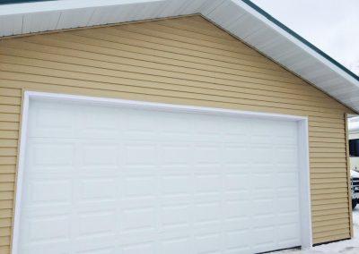 Garage Photo 5